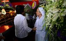 Vợ nhạc sĩ Phan Huỳnh Điểu phút cuối không thấy mặt chồng