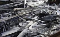 Bảo vệ cấu kết lấy trộm vật liệu của Công ty Sam Sung