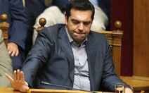 Hi Lạp: vì đâu từ kiêu hãnh đến cúi đầu?