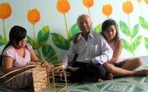 76 tuổi làm khuyến học trên... mạng