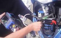 Có thể khởi tố công an trộm bình ắc quy xe máy