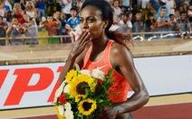 Genzebe Dibaba phá kỷ lục 1.500m nữ tồn tại 22 năm