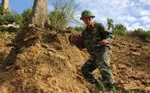 Công binh vượt rừng đánh sập hầm vàng trái phép