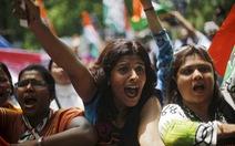 Chính phủ Ấn Độ điêu đứng vì bê bối tham nhũng