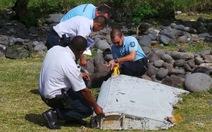 Boeing cử đội phân tích mảnh vỡ nghi của MH370