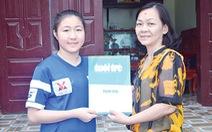 Trao 52,7 triệu đồng ủng hộ cầu thủ Lê Thị Thu