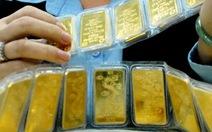 Giá vàng rơi khỏi ngưỡng 33 triệu đồng/lượng