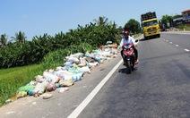Dân chặn xe vào khu xử lý rác Dung Quất, rác ùn ứ khắp nơi