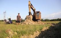 """Cải tạo đất ruộng """"quá tay"""""""