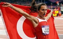 Nhà vô địch 1.500m Olympic London bị tước HCV