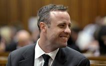 """Nam Phi hoãn ân xá """"người không chân"""" Oscar Pistorius"""