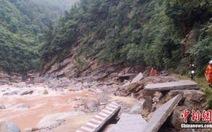 Mưa lũ hoành hành 3 tỉnh Trung Quốc, 13 người chết