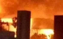 Nhà máy hóa chất ở Trung Quốc nổ lớn, khói lửa rực trời