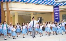 Ngọc Thịnh cùng gia đình Thuý Hạnh tham gia nhảy flash mob