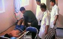 Chuyển thủy thủ bị thương tại Trường Sa về Bệnh viện 175