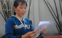 Nữ công nhân nhặt vàng khi phân loại rác khiếu nại tòa