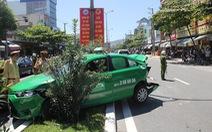 Tai nạn liên hoàn, xe taxi bị húc đuôi, tông đầu