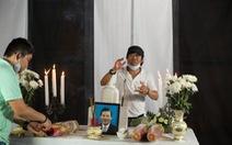 Khi diễn viên lên... bàn thờ