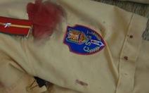 Xử lý vi phạm, một trung úy CSGT bị đâm thấu ngực