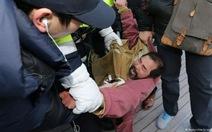 Kẻ rạch mặt đại sứ Mỹ tại Hàn Quốc lĩnh án tù
