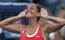 Serena bất ngờ thua Vinci ở bán kết US Open
