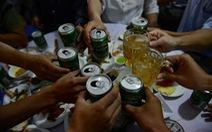 Yêu cầu uống bia Sài Gòn có vi phạm quyền riêng tư?
