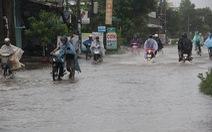 Gió cấp 8, hơn 200 du khách kẹt ở Lý Sơn