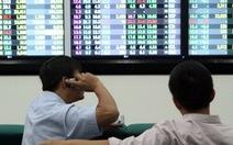 Chờ tín hiệu từ Mỹ, chứng khoán Việt tạm thời giảm điểm
