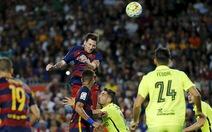 Messi lập cú đúp đưa Barca trở lại đầu bảng