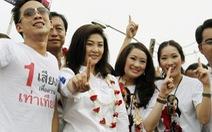 Con trai ông Thaksin bị thẩm vấn