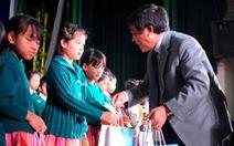 Trẻ em Lâm Đồng tha hồ uống sữa mùa trung thu