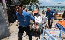 Vượt sóng đưa trung thu ra Nam Du