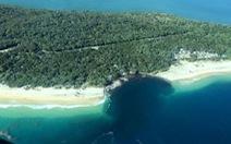 Hố tử thần nuốt chửng xe, lều tại bờ biển Úc