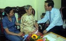 Lãnh đạo Thành ủy mừng thọ người cao tuổi