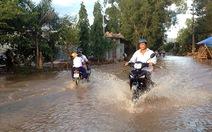 Clip dân Phú Quốc khổ vì nước ngập dù 3 ngày nắng gắt