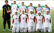 8 cầu thủ trong đội bóng đá nữ Iran là… nam giới