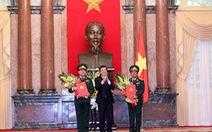 Chủ tịch nước trao quyết định thăng quân hàm cho hai Đại tướng