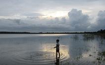 Hoang sơ hồ Đá Bàng