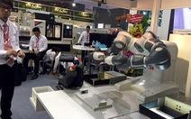 Robot hai cánh tay Yumi tại triển lãm công nghiệp hỗ trợ VN