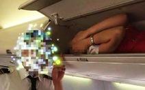 Tiếp viên hàng không Trung Quốc bị ép nằm trong hộc hành lý