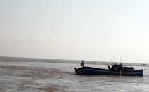 Chìm tàu cá Quảng Bình, 3 người mất tích