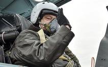 Tổng thống Ukraine bay thử chiến đấu cơ