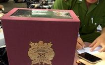 Tạm giữ gần 1.800 chai rượu ngoại không giấy tờ