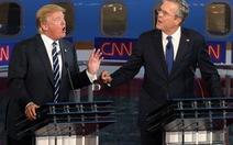 Tỉ phú Donald Trump tổng tấn công đối thủ Jeb Bush