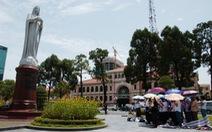 Tên gọi nhà thờ Đức Bà từ bức tượng Đức Mẹ Hòa Bình