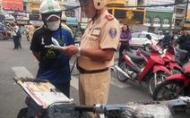 """Cảnh sát giao thông xử lý """"xe mù"""", giữ 361 chiếc để xác minh"""