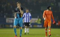 Arsenal thảm bại ở Cúp Liên đoàn