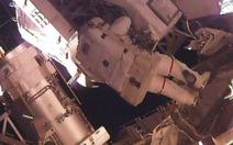 Hai nhà du hành Mỹ hoàn tất đi bộ 7 tiếng ngoài không gian
