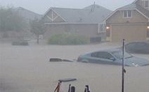 Bão và sóng thần đe dọa người dân Texas