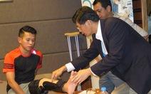 Bác sĩ Tan và duyên nợ với cầu thủ Việt